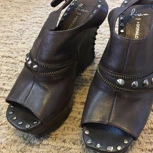 Donald pliner leather booties